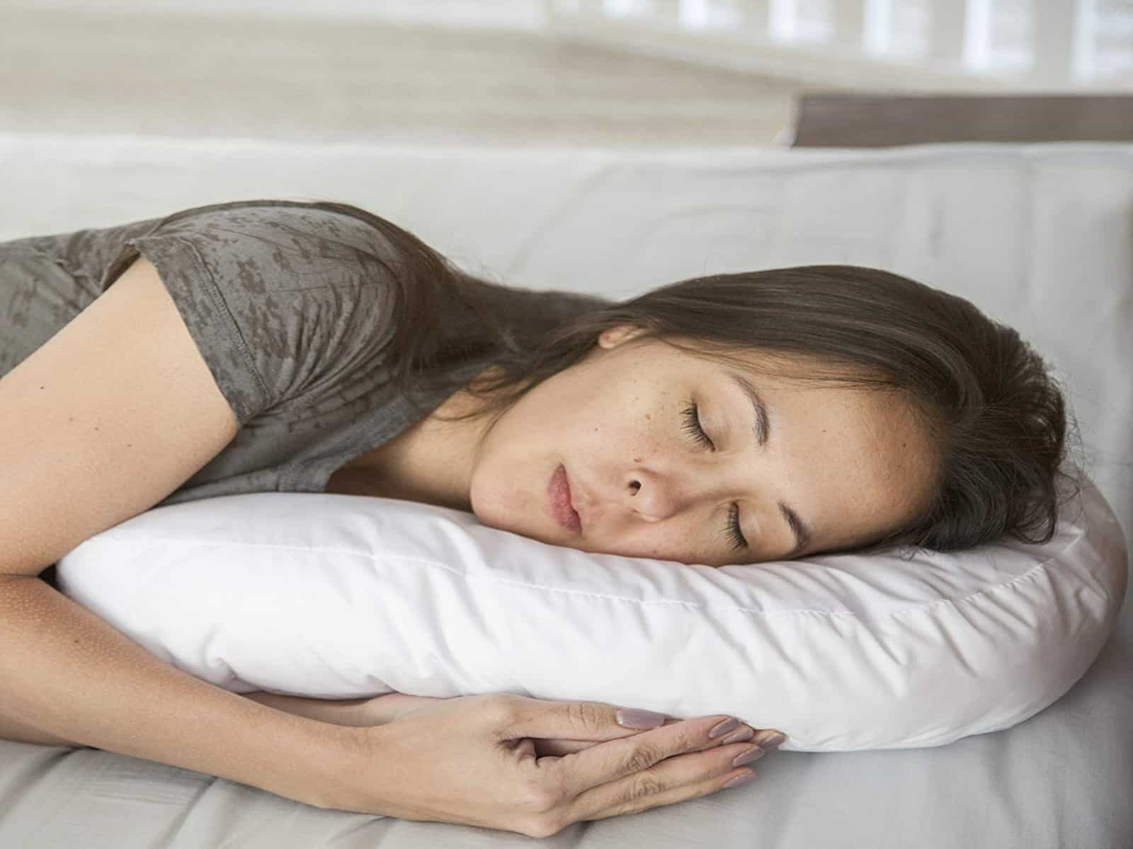 7 Best Pillows for Side Sleepers 2021